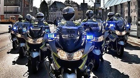 Die Augsburger Verkehrspolizei hat nun eine eigene Ehreneskorte, um besondere Gäste zu geleiten.