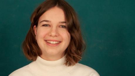 Hannah Herrmann engagiert sich bei Fridays for Future in Aichach. Sie demonstriert regelmäßig für Klimaschutz. Ihr ist es wichtig, dass das Thema lokalpolitisch besprochen wird.