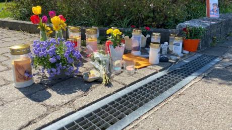 Nach Tod zweier Kinder: Eine Gemeinde steht unter Schock Seelsorger sollen Trauernden nach der Tötung zweier Kinder in Oberstadion Trost spenden