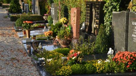 Die Schändung eines Grabes auf einem Friedhof im nördlichen Landkreis führte nun zu einer Gerichtsverhandlung in Aichach.