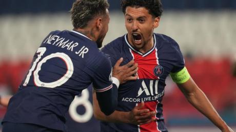 Der FC Augsburg bestreitet ein Testspiel gegen die Startruppe von Paris St. Germain (links Neymar und Marquinhos)-