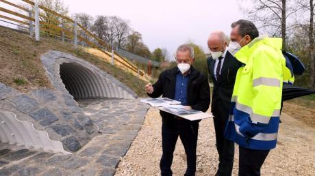 Umweltminister Thorsten Glauber war in Dietkirch. Im Bild von links Adelbert Gessler, Fabian Mehring und Thorsten Glauber.