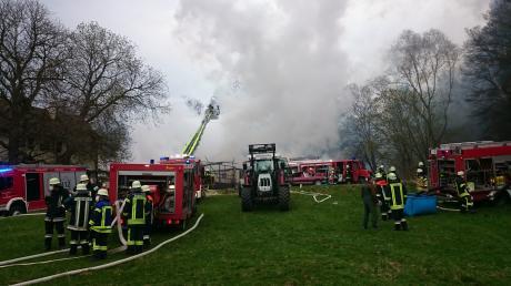 Einsatzkräfte der Feuerwehr waren bei einem Brand in Waldreichenbach im Einsatz.