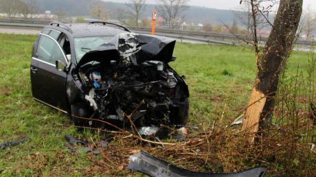 Ein schwerer Unfall hat sich bei Altenstadt ereignet.