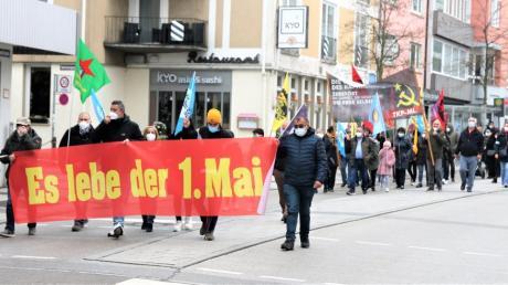 Vor der Hauptkundgebung zum 1. Mai auf dem Ulmer Weinhof gab es einen  Umzug durch die Ulmer City.
