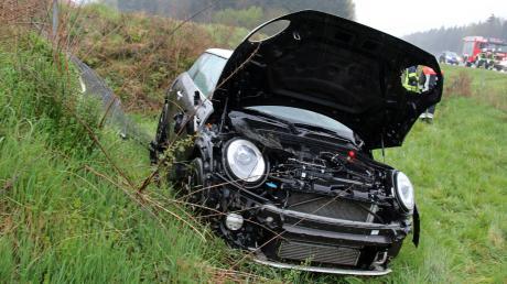 Ein Mini Cooper ist von der A7 abgekommen.