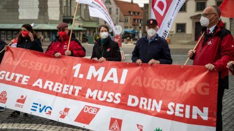 Die Gewerkschaften ließen die traditionellen Veranstaltungen zum 1. Mai ausfallen und luden zu einem Pressegespräch auf den Rathausplatz.