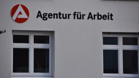 Die Agentur für Arbeit in Donauwörth meldet für den Landkreis Donau-Ries zunehmend Dauerarbeitslose.