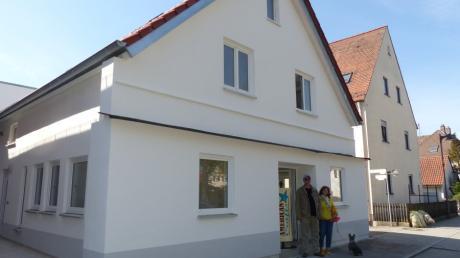 Klaus Meier und Ursula Urlich, die neuen Besitzer des ehemaligen Kaufhauses Liepert, sind auf der Zielgeraden: Hier, im vorderen Teil des Hauses, wird Ende Mai die letzte Wohnung fertig und auch der neue Geschäftsinhaber könnte dann im Erdgeschoss eröffnen.