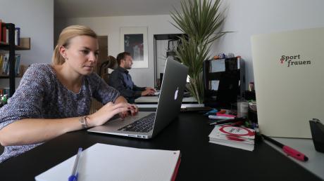 Nina Probst und Fabian Hajek begeistern auf Sportfrauen.net mit  Beiträgen, exklusiven Interviews und gut recherchierten Geschichten über Akteurinnen aus dem Spitzensport.