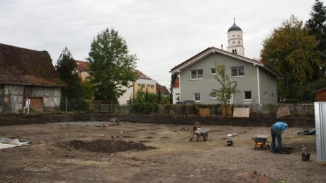 Zwei große Wohnbauprojekte werden in der Illertisser Innenstadt realisiert. Zuvor waren jedoch wie hier Am Reichshof Archäologen vor Ort. Sie entdeckten Überraschendes.