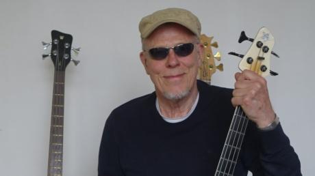 Hellmut Hattler (geboren am 12. April 1952 in Ulm) ist der bekannteste Ulmer Jazz- und Rockbassist..