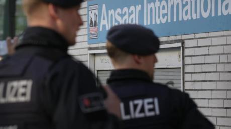 Gegen den salafistischen Verein Ansaar International richteten sich am Mittwoch mehrere Razzien in Hof und München.