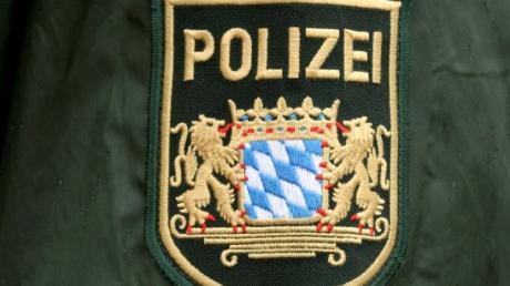 Ein Steinwurf im Straßenverkehr beschäftigt die Polizei in Günzburg.