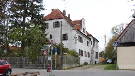 """Der Meringer Gemeinderat diskutiert einmal mehr um die Zukunft des """"alten Klosters""""."""