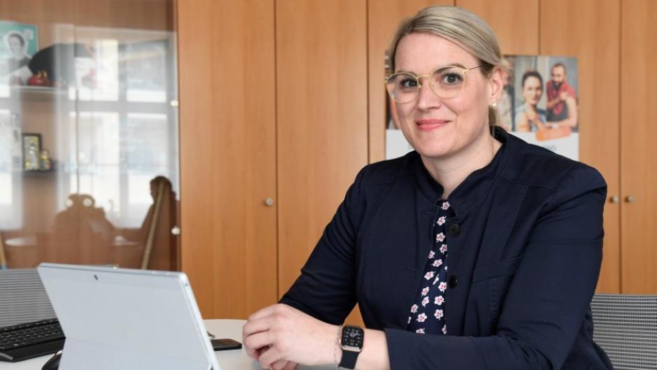 Politikerinnen-Alltag in Corona-Zeiten: Augsburgs Oberbürgermeisterin Eva Weber verbringt viel Zeit in Videokonferenzen. Auch dieser Podcast ist im Videogespräch entstanden.