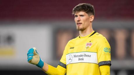 Gregor Kobel zeigt für den VfB Stuttgart beständig starke Leistungen. Daher wird über einen Wechsel zu Borussia Dortmund spekuliert.