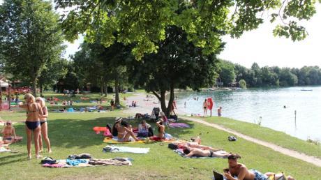 Im Sommer wird es wieder viele Badegäste an den Friedberger See ziehen.