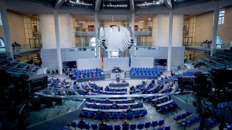 Drei Abgeordnete (Georg Nüßlein, fraktionslos; Karl-Heinz-Brunner, SPD; Ekin Deligöz, Grüne) vertreten derzeit die Interessen der Region im Bundestag.