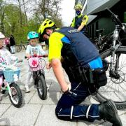 Symbolfoto - Symbolbild - Symbol Foto - Bild - Fahrradstreife Neu-Ulm - Polizist - Polizisten auf dem E-Bike - ebike