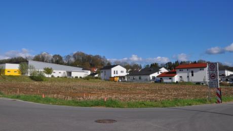 Auf diesem Areal am nordwestlichen Rand von Buch entstehen zwei  Mehrfamilienhäuser mit 22 und 19 Wohneinheiten.