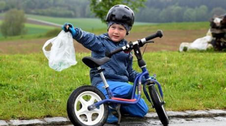 Der vierjährige Tobias Nadler aus Auerbach hat eine ungewöhnliche Sammelleidenschaft für Müll.