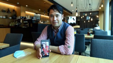 Haidar Gullam ist aus Afghanistan nach Deutschland geflohen. In der Alten Posthalterei in Zusmarshausen fand er eine Ausbildungsstelle. Nun will er auch seine Familie holen, doch das ist nicht einfach.