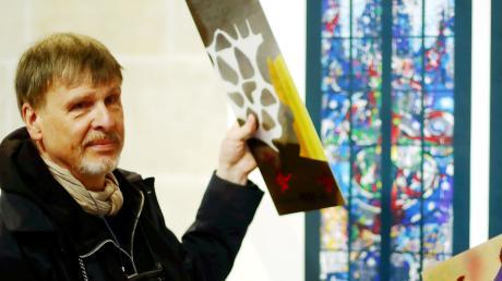 Thomas Kuzio wird das Ulmer Münster in seiner Raumwirkung mit der Gestaltung von acht Glasfenstern des Nordschiffes für Generationen prägen.