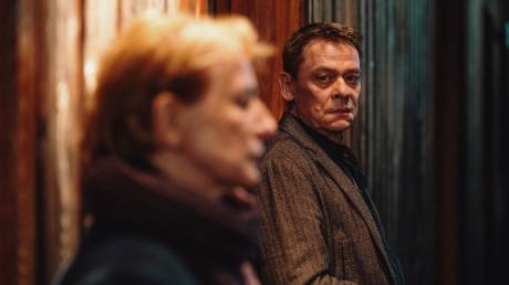 Paula Ringelhahn (Dagmar Manzel) verabschiedet sich von Rolf Glawogger (Sylvester Groth): Szene aus dem Franken-Tatort gestern.