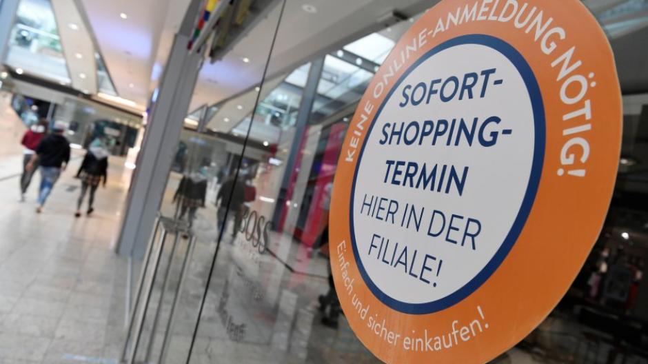 Ab Mittwoch ist der Einkauf in Augsburg auch wieder direkt in den Geschäften mit vorheriger Terminvereinbarung möglich. Der Kunde muss zudem einen negativen Coronatest vorweisen.