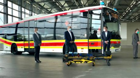 Die Rettungsdienst Heidenheim-Ulm gGmbH des Deutschen Roten Kreuzes setzt zur Unterstützung im Kampf gegen die COVID-19-Pandemie auf einen umgerüsteten Setra Überlandlinienbus.