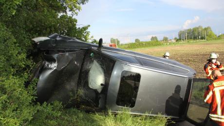 Ein schwerer Unfall hat sich am Mittwoch auf der B13 bei Baar-Ebenhausen ereignet.