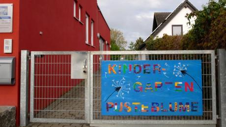 Der Zugang zum Holzheimer Kindergarten Pusteblume wird möglicherweise teurer. Wegen deutlich gestiegener Kosten denkt der Gemeinderat über eine Gebührenerhöhung nach.
