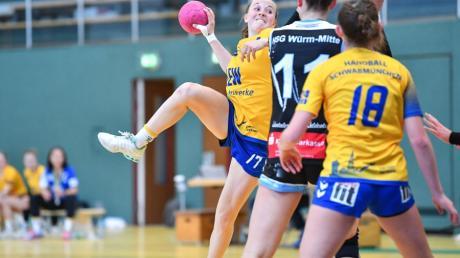 Die U16-Handballerinnen des TSV Schwabmünchen (am Ball Luisa Merkle) kämpfen um den Einzug ins Achtelfinale um die deutsche Meisterschaft.