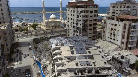 Eine Luftaufnahme zeigt die Zerstörung nach den Luftangriffen der vergangenen Woche in Gaza.
