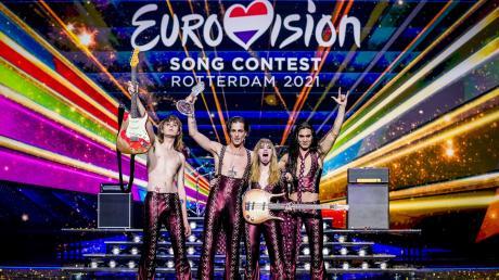 Italien hat mit dem rockigen Protestsong «Zitti e buoni» der Band Måneskin den Eurovision Song Contest in Rotterdam gewonnen.