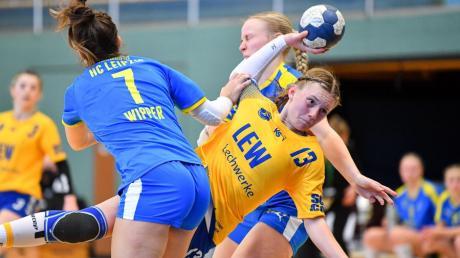 Die B-Juniorinnen des TSV Schwabmünchen konnten sich gegen den HC Leipzig immer wieder gut in Szene setzen. Lea Lammich (gelbes Trikot) erzielte vier Treffer.