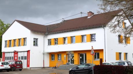 Feuerwehr und Kindergarten in Finningen bleiben unter einem Dach und bekommen einen Anbau. Das hat der Ferienausschuss des Stadtrats beschlossen.