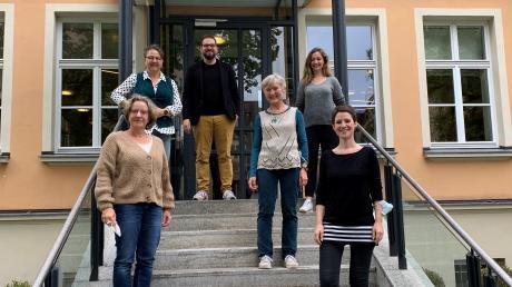 Nördlingen liest ein Buch 2021: die Shortlist-Präsenter, v.l. Susanne Todt, Gabi Burger, Matthis Lehmann, Renate Feldmeier, Stephanie Quitterer, Kathrin Häffner