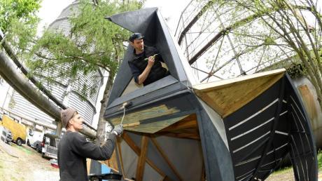 Max Kienle und  Julien Kneuse le Ray gestalten das Festival-Gelände von Modular. Ihre Aufbauten werden den ganzen Gaswerksommer zu sehen sein.