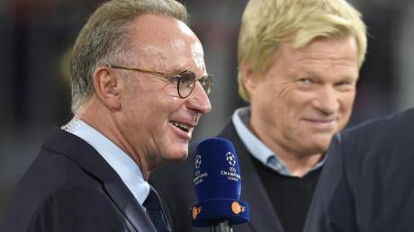 Oliver Kahn (r) übernimmt beim FC Bayern das Amt des Vorstandsvorsitzenden von Karl-Heinz Rummenigge.
