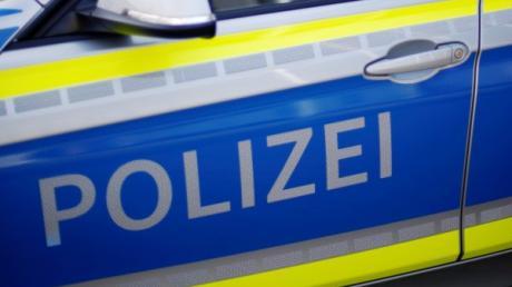 Auf dem Parkplatz des Wittelsbacher Golfclubs in Rohrenfeld ist ein Auto beschädigt worden.