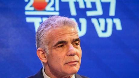 Der bisherige Oppositionsführer Jair Lapid teilte Präsident Rivlin kurz vor Ablauf einer Frist mit, er habe ein Bündnis von acht Parteien aus allen politischen Lagern geschmiedet.