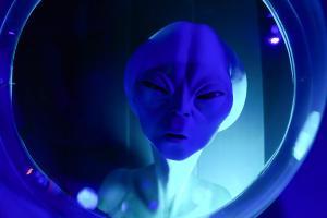 Ein Außerirdischer in einem Erlebniszentrum in Roswell im US-Bundesstaat New Mexico.