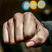 Eine Gruppe betrunkener junger Leute wurde in Syrgenstein in der Nacht angegriffen.