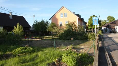 Der bisherige Spielplatz des Kindergartens in Hiltenfingen wurde für das neue Haus für Kinder geräumt.