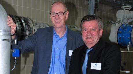 Verbandsvorsitzender Josef Böck (links) und Werkleiter Armin Drexl blicken auf ein zufriedenstellendes Geschäftsjahr 2020 zurück.