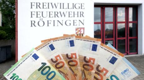 In Röfingen ist der Haushalt beschlossen worden. Unter anderem wird die Gemeinde in den kommenden zwei Jahren für ihre beiden Feuerwehren höhere Beträge für neue Fahrzeuge ausgeben.