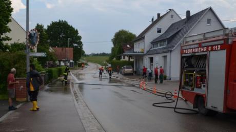 Auf der Villenbacher Hauptstraße kam es am späten Dienstagnachmittag zu einer weiteren leichten Überschwemmung.