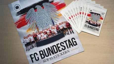 Zahlreiche Bundestagsabgeordnete gibt es ab sofort in Stickerform samt Sammelalbum.